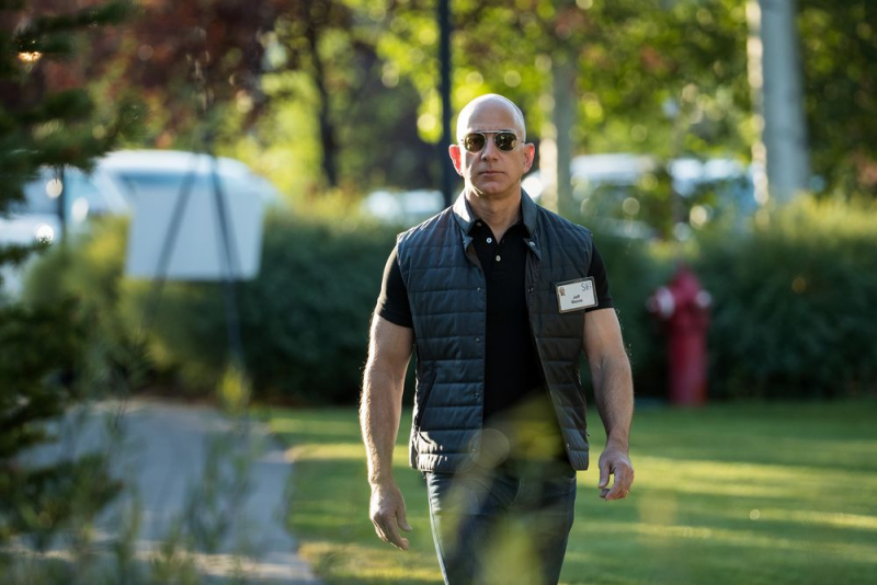 Bezos_GettyImages_813884326
